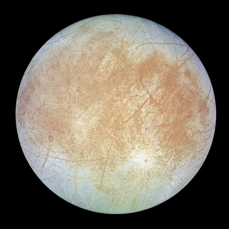 Jüpiter'in uydusu Europa'da su buharına rastlandı