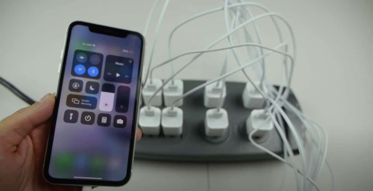 Bir iPhone'a 10 şarj cihazı takarsanız ne olur?
